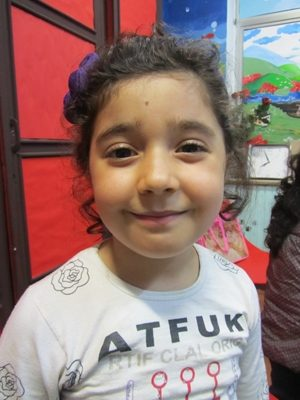 شيدا صادق پور . ۶ ساله . سال ۹۲