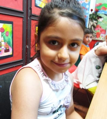 سانیا نور افزا . ۸ ساله . سال ۹۴