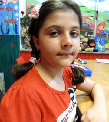 سارینا پور نصیریان . ۹ ساله . سال ۹۴